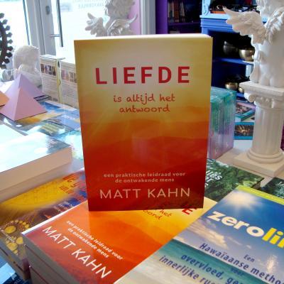 """Boek """"Liefde - Is Altijd het Antwoord"""" - Matt Kahn"""